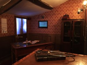 Le Cabinet du Dr Watts (03)
